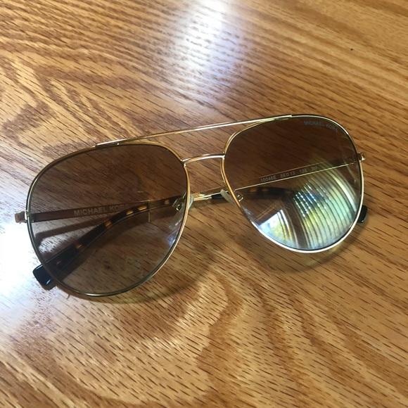 5ada0eece0f86 Michael Kors Gold Aviators Sunglasses. M 5b605e4d8158b55e4b360f84